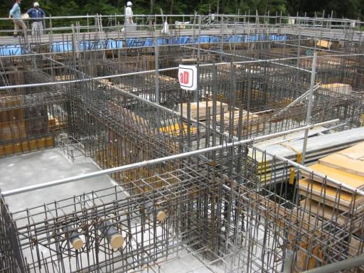 火葬棟の底盤コンクリートを打設しました